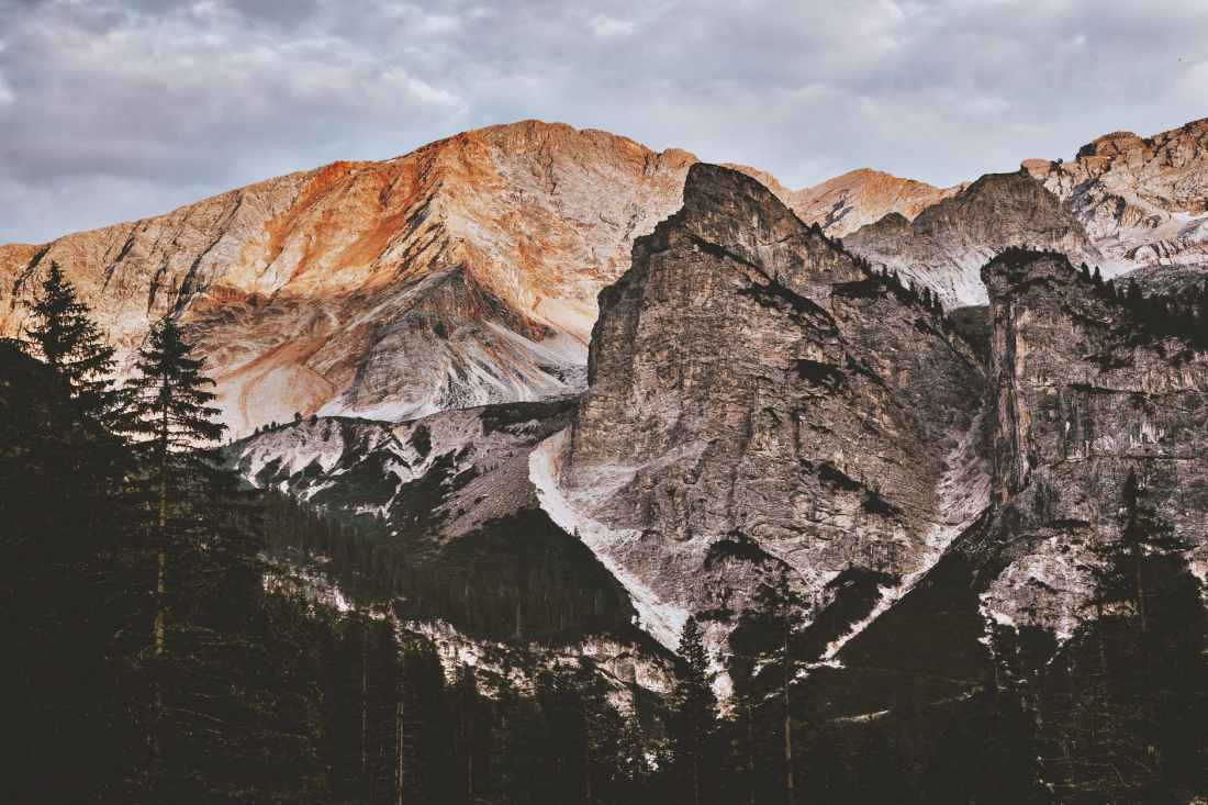 landscape photography of rocky mountain